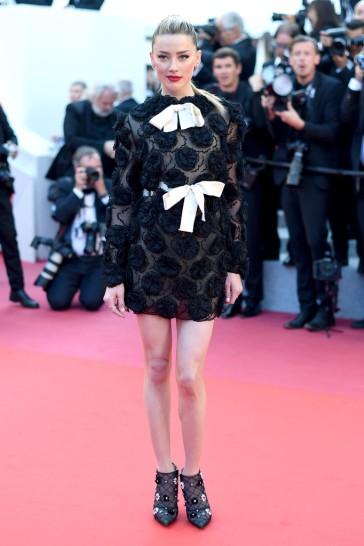 Amber Heard in Giambattista Valli Spring 2018 Couture