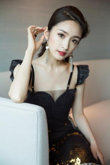 Ariel Lin in Vera Wang Spring 2018-3