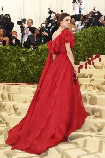 Bee Shaffer in Valentino Spring 2018 Couture-2