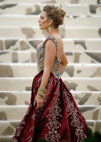 Blake Lively in Atelier Versace-9