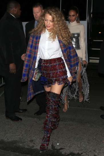 Blake Lively in Versace Fall 2018-1