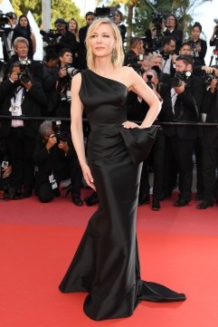 Cate Blanchett in Armani Prive-6