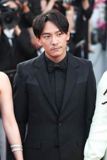 Chang Chen in Givenchy Spring 2018-1