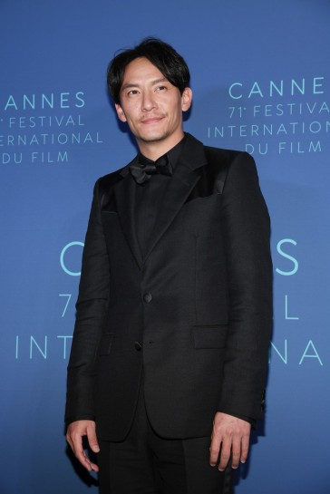 Chang Chen in Givenchy Spring 2018-3