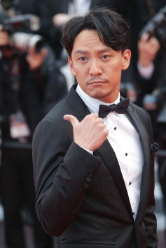 Chang Chen in Lanvin-6