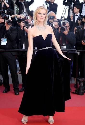 Eva Herzigova in Dior Fall 2017 Couture-5
