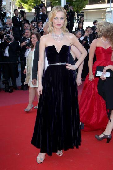 Eva Herzigova in Dior Fall 2017 Couture