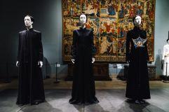 Heavenly Bodies-Fashion and the Catholic Imagination-30
