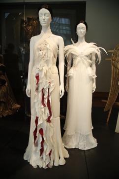 Heavenly Bodies-Fashion and the Catholic Imagination-36