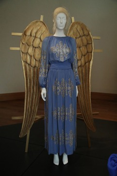 Heavenly Bodies-Fashion and the Catholic Imagination-37