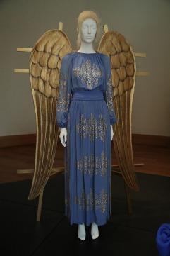 Heavenly Bodies-Fashion and the Catholic Imagination-37