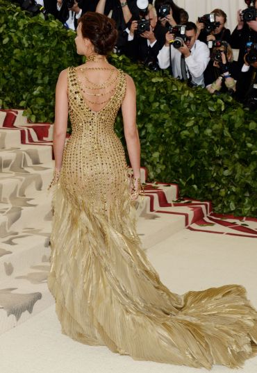 Irina Shayk in Versace-2