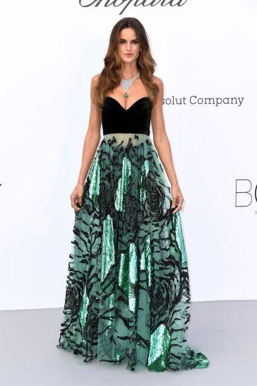 Izabel Goulart in Valentino Pre-Fall 2018-1