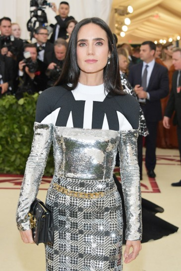 Jennifer Connelly in Louis Vuitton-1