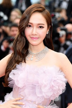 Jessica Jung in Ralph & Russo Spring 2017 Couture-1