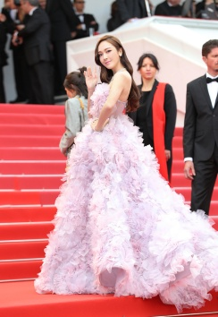 Jessica Jung in Ralph & Russo Spring 2017 Couture-3