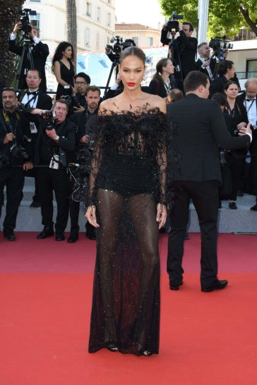 Joan Smalls in Roberto Cavalli Couture-3