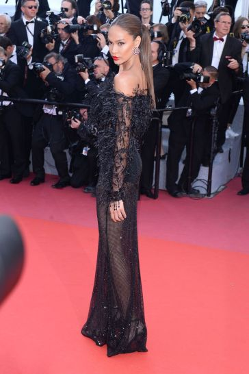 Joan Smalls in Roberto Cavalli Couture-5