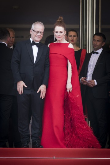 Julianne Moore in Givenchy-1