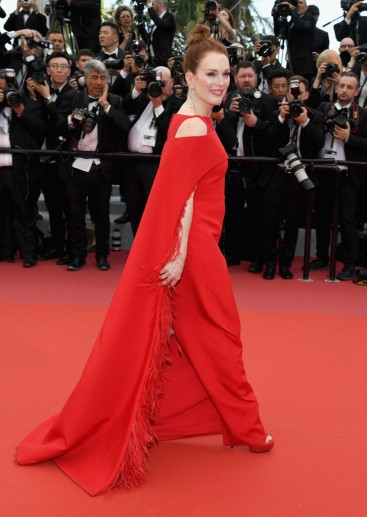 Julianne Moore in Givenchy-2