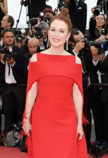 Julianne Moore in Givenchy-3