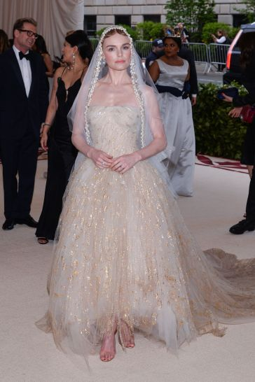 Kate Bosworth in Oscar de la Renta-3
