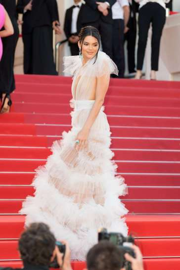 Kendall Jenner in Schiaparelli Fall 2017 Couture-5