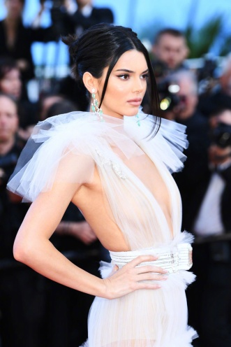Kendall Jenner in Schiaparelli Fall 2017 Couture-6