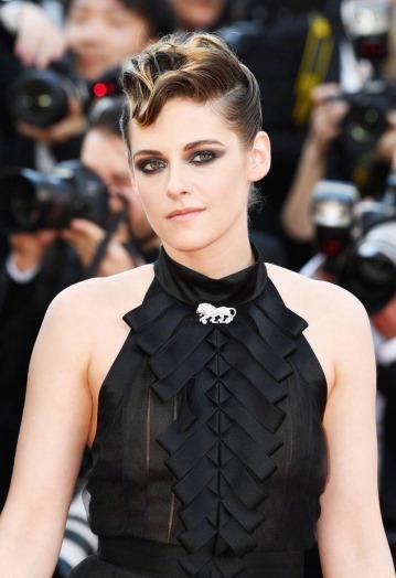 Kristen Stewart in Chanel Fall 2018-1