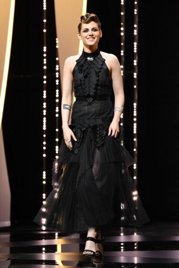 Kristen Stewart in Chanel Fall 2018