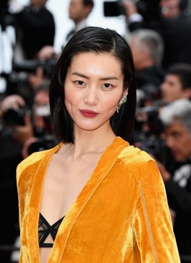 Liu Wen in Bottega Veneta Fall 2018-2