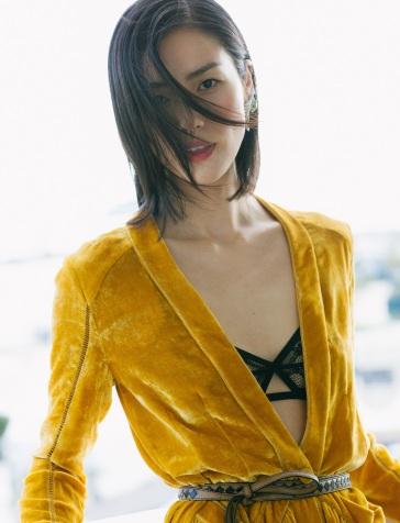 Liu Wen in Bottega Veneta Fall 2018-7