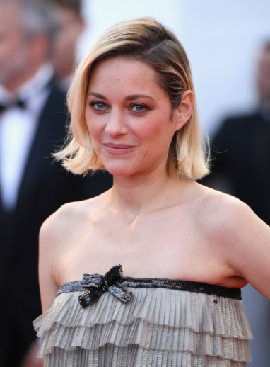 Marion Cotillard in Chanel Fall 2014 Couture-4