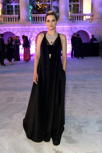 Marion Cotillard in Valentino Fall 2017 Couture-2