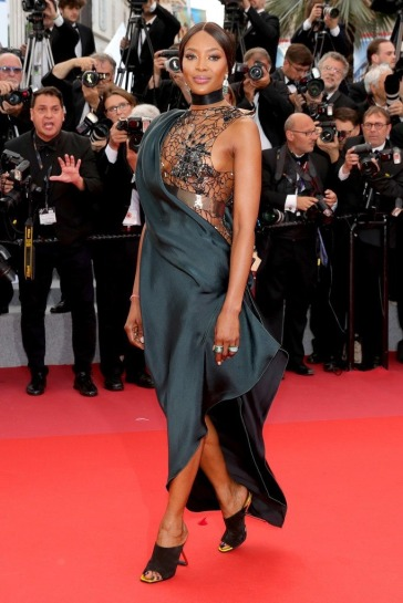 Naomi Campbell in Poiret Fall 2018-1