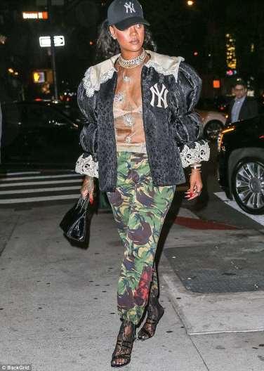 Rihanna in Gucci Fall 2018-1