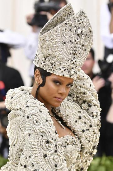 Rihanna in Maison Margiela-1