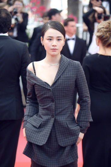 Sandra Ma in Vera Wang Spring 2018-1