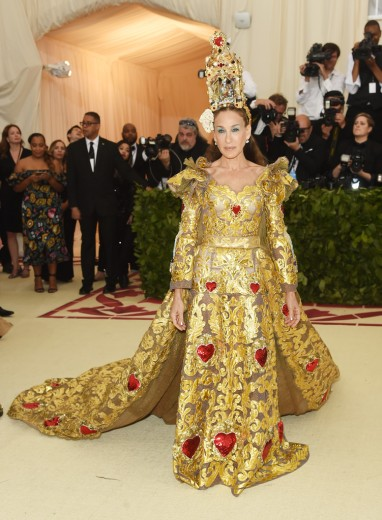 Sarah Jessica Parker in Dolce & Gabbana Alta Moda 2018-2