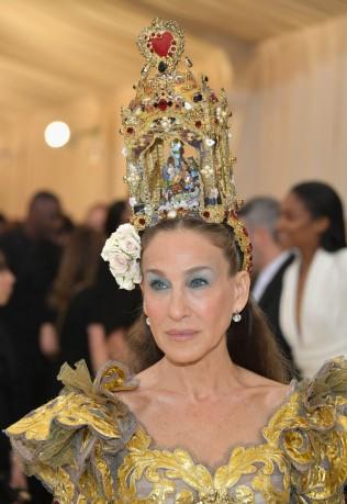 Sarah Jessica Parker in Dolce & Gabbana Alta Moda 2018-6