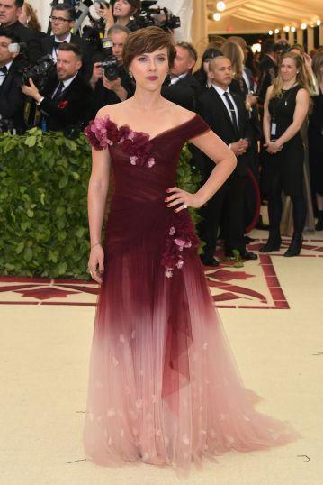 Scarlett Johansson in Marchesa-1