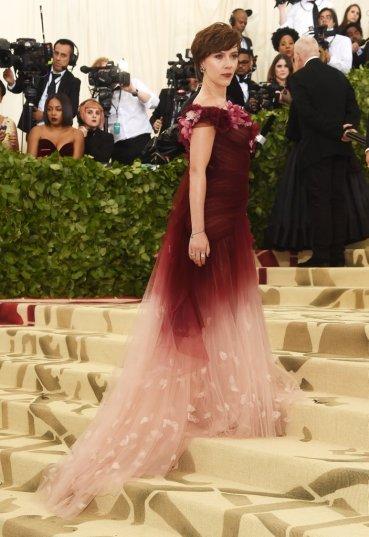 Scarlett Johansson in Marchesa-3