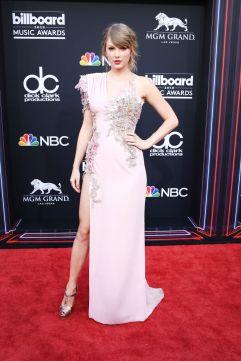 Taylor Swift in Atelier Versace-5