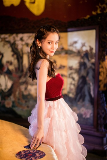 Angelababy in Oscar de la Renta Fall 2018-4
