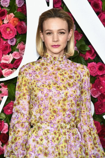Carey Mulligan in Giambattista Valli-1