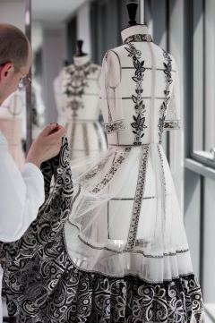DIOR_Cruise_2019_SAVOIR-FAIRE_BRODERIES-MEXICAINES © SOPHIE CARRE3_preview
