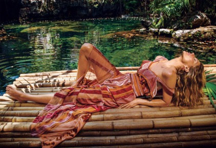 Gisele Bundchen for Vogue US July 2018-8