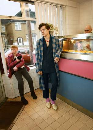 Harry Styles for Gucci Tailoring Pre-Fall 2018 Campaign-2