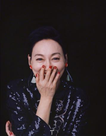 Kara Wai Ying-hung for T Magazine China June 2018-1