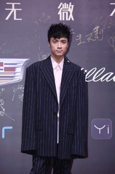 Leo Ku in Juun.J Spring 2017 Menswear-1